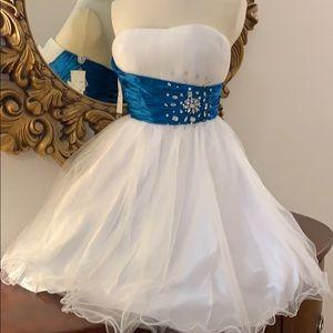 New CINDERELLA strapless Jeweled Party 🎊 Dress